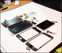 iphone-3g-s-fully-disassembled